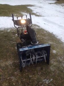 """208cc. 26"""" cut snowblower with electric start $500"""