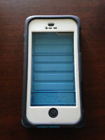 iPhone 5/5s Otterbox Armour Series (Blue/White) (Like New)