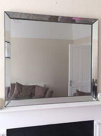 Bevelled glass mirror