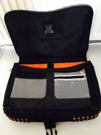 Quality laptop bag with multiple other accessories pockets,immaculate,bargain at £25