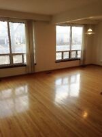 3 BDRM AVAILABLE IMMEDIATELY!