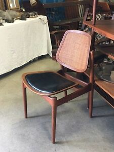 Mid-Century Modern Furniture - Tribute 20th