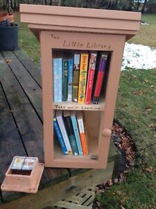 """Little free library"" for your front lawn"