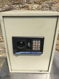 Kingavon Eectronic Safe