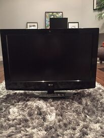 """32"""" LG HD TV with built in free view £100"""