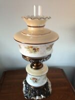 Antique looking table lamp...