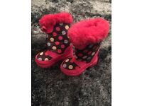 Girls winter boots toddler size 4 £3