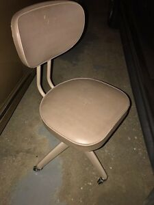 STUDENTS CHAIR $ 10.00
