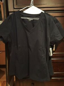 Brand new with tags 2 -xl navy blue scrubs Cornwall Ontario image 2