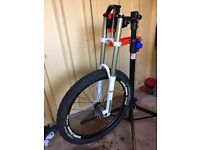 Rock Shox Boxxer Forks + Wheel