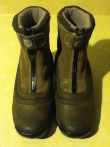 Women's Timberland Waterproof Boots Size 7 London Ontario image 2