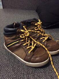 Size 7 infant shoes