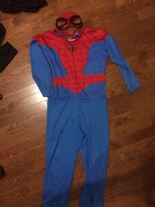 Spider-Man costume Size S or 4-6