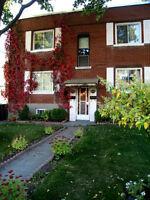 6 1/2 multi-level apartment in a St-Laurent duplex