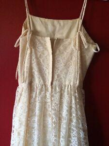 Vintage wedding dress  London Ontario image 4