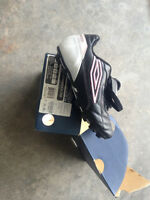 Brand New Size 3 youth soccer shooes