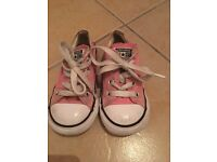 Child's converse size 7