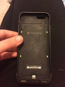 Mophie black charging case for iPhone 6 or 6s  Kingston Kingston Area image 2