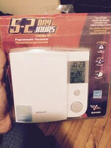 Honeywell RLV430A programmable Thermostat
