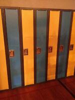 Bank of 2 lockers