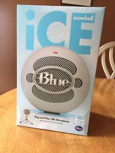 iCE Blue podcast microphone