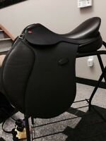 BRAND NEW never used adjustable hastilow jumping saddle