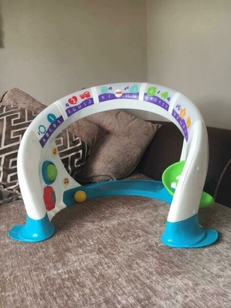 Fisher price bright beats smart touch space playset