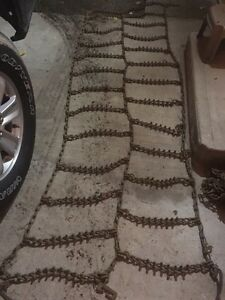 Tire chains for 22.5 truck tires