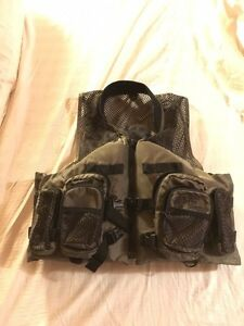 Bass pro shops kijiji free classifieds in ontario find for Bass fishing life jacket