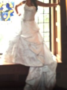 Wedding gown  London Ontario image 5