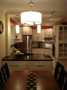 2 BR apartment on Oxford St. Avail May 1st. Utilities included.