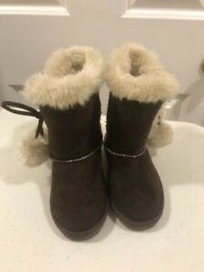 Dawgs Winter Boots - toddler  size 4/5