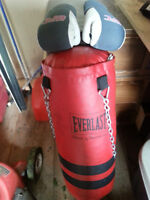 HEAVY BAG WITH LADIES GLOVES