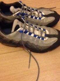 Mens Nike trainers size 9