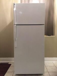 General Electric GE Refrigerator Fridge