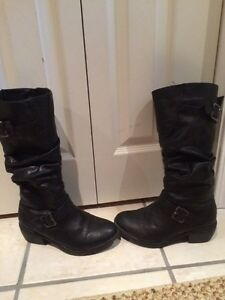 Women's size 5 winter boots