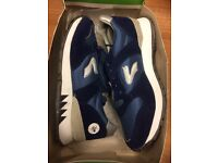 Vintage Dunlop Wolf boys trainers, UK size 1