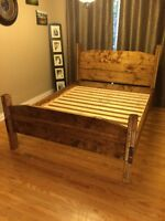 SOLID WOOD QUEEN BED W/ HEADBOARD, FOOTBOARD, RAILS AND SLATS