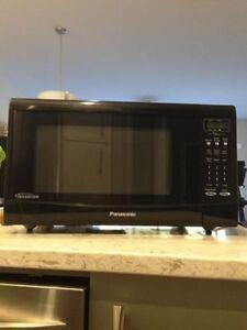 Microwave - Black - Panasonic