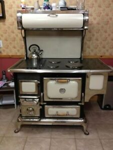 Elmira Classic Stove - Wood and Electric Combo - Mint Condition