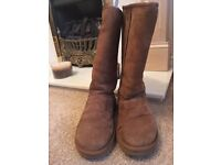 Ladies Ugg boots size 5.5