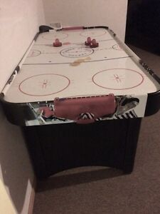 Air Hockey table. FREE Kawartha Lakes Peterborough Area image 1