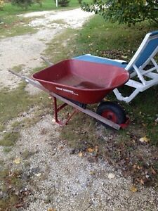 Midsize Wheelbarrow