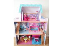 Wooden dolls house with accesories