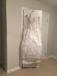 Wedding gown  London Ontario image 3