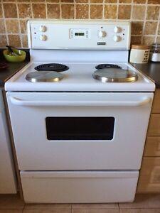 Frigidaire stove for sale  Kitchener / Waterloo Kitchener Area image 1
