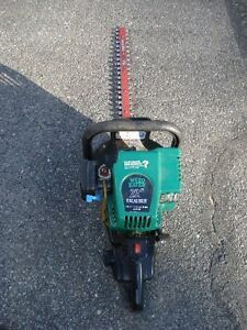 Trimmer weed eater excalibur  22po. à gaz GHT 225