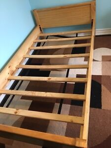 Twin size child's bed with mattress and bedding Peterborough Peterborough Area image 3