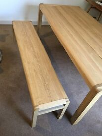 Habitat Radius large (8 seat) oak dining table and bench (like new)