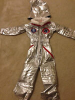astronaut suits - Size 4 - 5 Years - like new